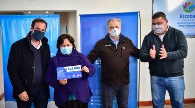 Junto a autoridades de la Provincia, Ariel Sujarchuk entregó 200 subsidios para mejoras habitacionales
