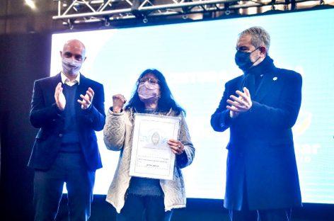 """Beto Ramil y el ministro Julio Alak entregaron 154 títulos de propiedad del programa provincial """"Mi escritura, mi casa"""""""