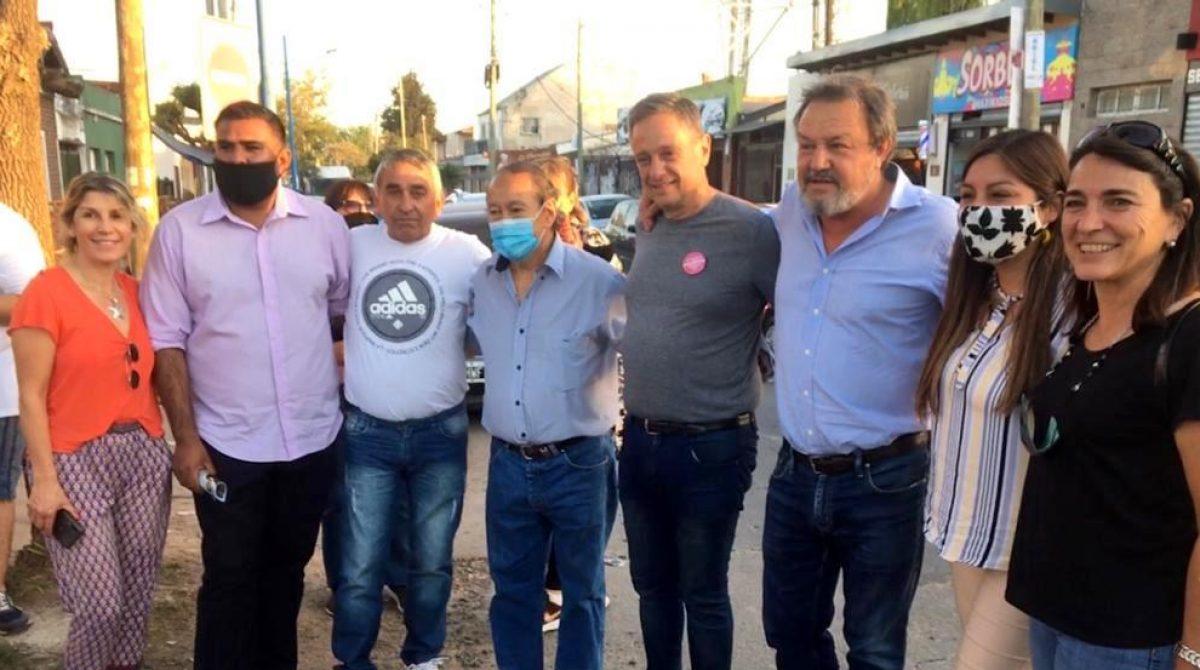 """Matheu: la caravana de JUNTOS sumó al Diputado """"Toty"""" Flores en una recorrida por el barrio Itatí"""