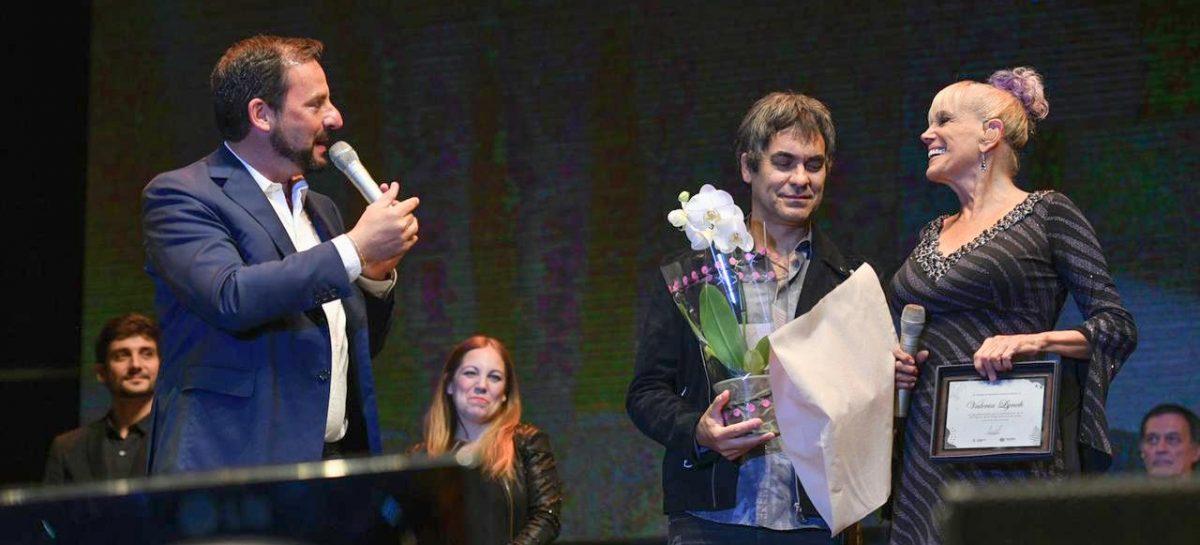 Fiesta Nacional de la Flor: 6.000 personas disfrutaron del concierto de Valeria Lynch en la jornada inaugural